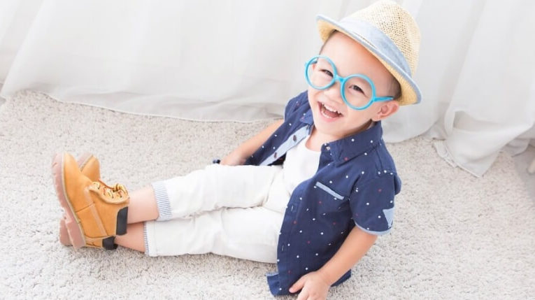 Kind brille brillenkauf Tipps baby kleinkind Optiker sehschwäche brille kaufen baby kleinkind optiker Südtirol Kinderbrille Einkauf Tipps Was Beachten Augentest Kind wie wird er gemacht Sehtest Kinder Baby