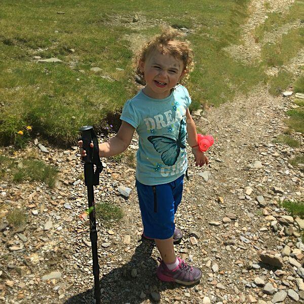 Was-muss-beim-Wandern-mit-Kind-unbedingt-mit