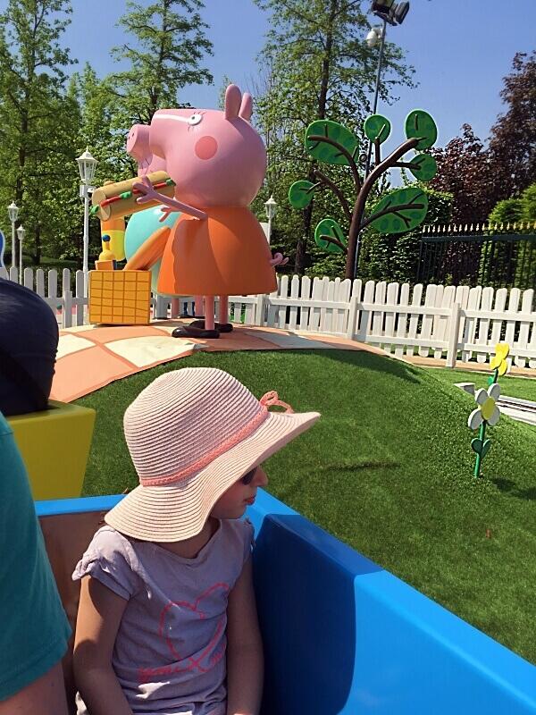Zugfahrt mit Opa Wutz im Peppa Pig Land im Gardaland Resort