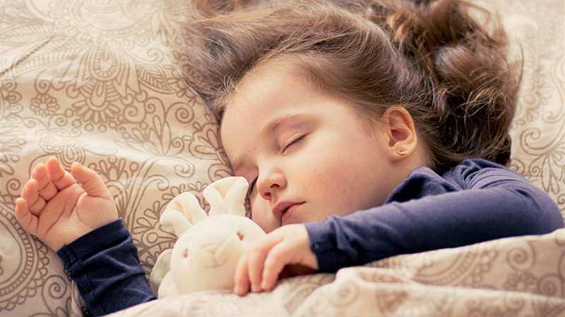 fieberkrampf Baby Hilfe was tun Fieber senken Wickel