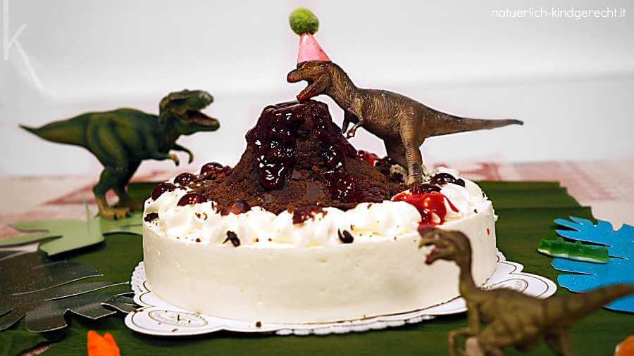 Genial einfacher Dinokuchen für die Dinoparty Mottoparty Dinosaurier