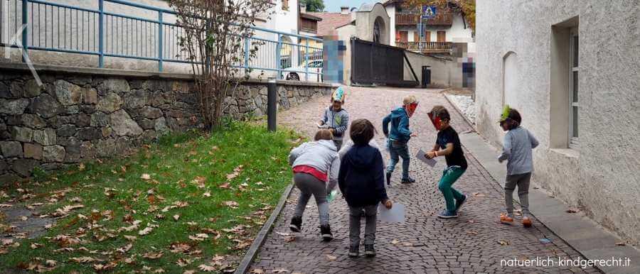 Schatzsuche Ideen Kindergeburtstag Dinospuren folgen