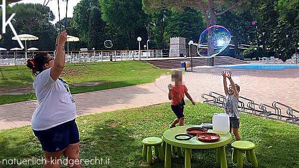 Mini Club Campingplatz Italien Urlaub mit Kind
