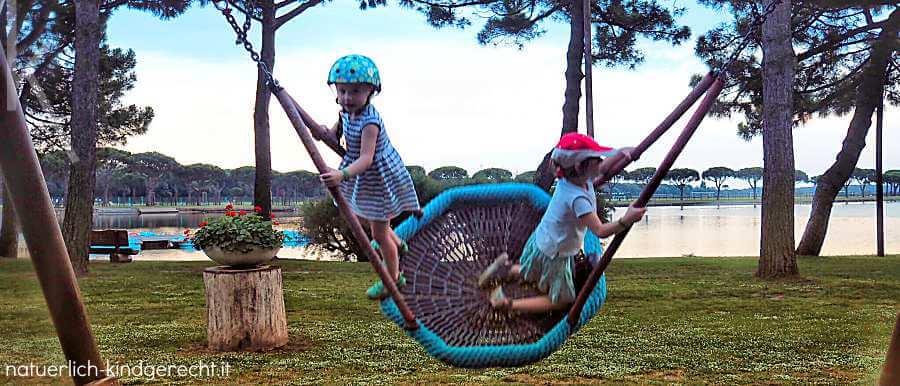 Spielplatz in Spiaggia Romea Urlaub mit Kind