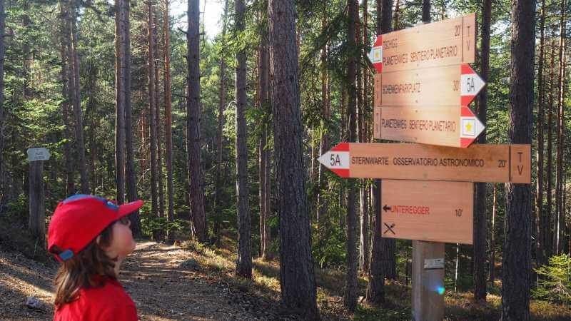 Der-Planetenweg-im-Sternendorf-Gummer