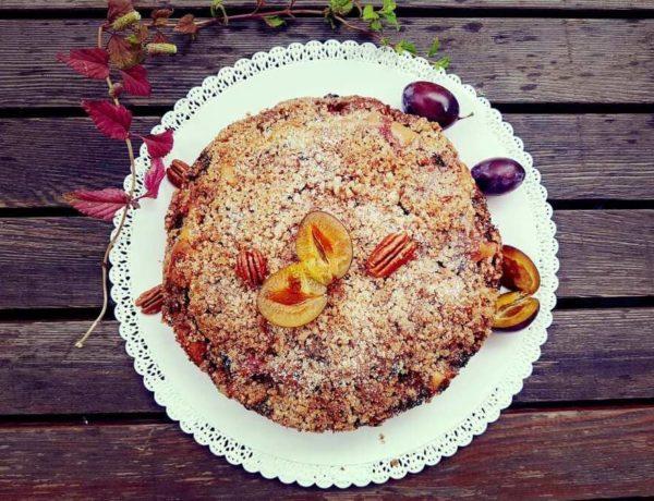 Pflaumenkuchen mit Nusskruste Rezeptidee mit Pflaumen Suedtirol Foodblogger