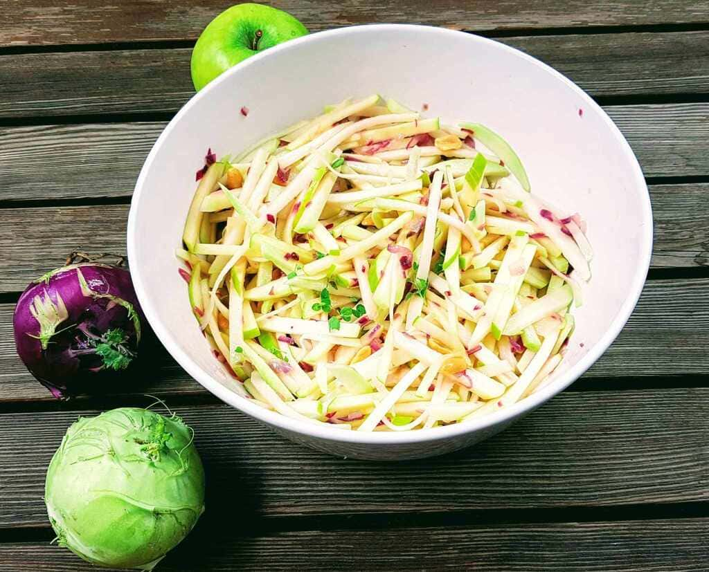 Kohlrabi mit Apfel Salat
