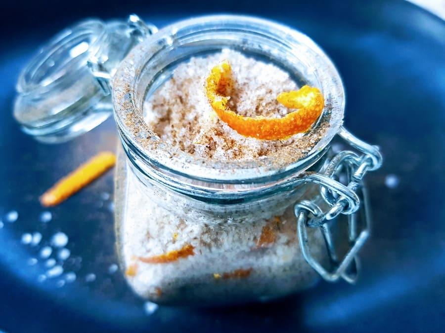 Orangen-Zimt-Salz im Geschenksglas