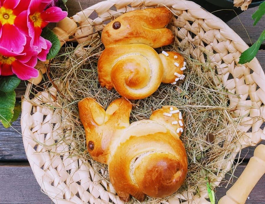 Ostern Süße Hefe Osterhäschen Rezept für Osterbäckerei
